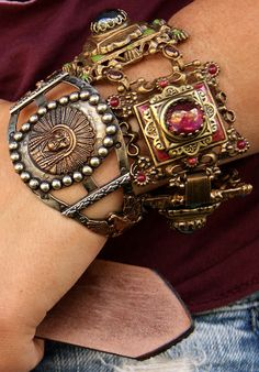 Gorgeous vintagey bracelets, i like the red one the best