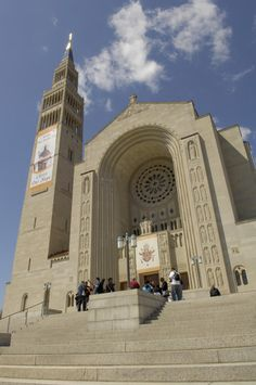 Largest Catholic Cathedral in US, Washington, DC. This is a great link! Pictures and 100 Things to do in DC.