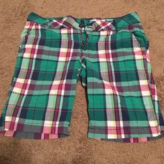 Aeropostale Bermuda Shorts Green, purple, and white plaid Aeropostale shorts. Size 13/14. Excellent condition! Aeropostale Shorts Bermudas