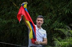 Leopoldo Lopez released from prison on 7/8/17, still under house arrest