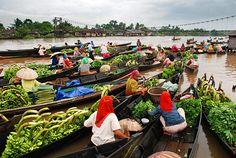Lokbaintan, Banjarmasin's floating market, Borneo, Indonesia