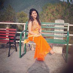 Beautiful Girl Indian, Beautiful Girl Image, Salwar Suits Simple, School Dresses, Hijab Dress, Beauty Full Girl, Indian Beauty Saree, India Beauty, Girls Image