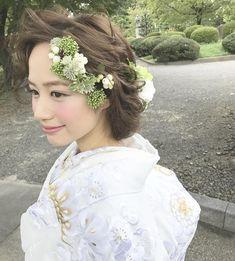 インスタで話題♡もはや定番となったゆるふわルーズな花嫁のヘアスタイル**13万フォロワーを突破した@weddingnews_editorで紹介された、人気のヘアアレンジをスタイル別30選をまとめましました♡ どれも本当にオシャレなヘアアレンジばかりなので、ぜひ参考にしてくださいね! Wedding Kimono, Wedding Dresses, Kawaii Hairstyles, Girls Lips, Hair Images, How Beautiful, Headdress, Perfect Wedding, Bridal Hair