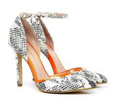 Snake & Orange! Fun shoe!