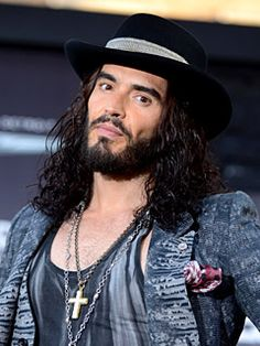 "Russell Brand Photos - Actor Russell Brand arrives at the premiere of Warner Bros. Pictures' ""Rock of Ages"" at Grauman's Chinese Theatre on June 2012 in Hollywood, California. - Premiere Of Warner Bros. Pictures' ""Rock Of Ages"" - Red Carpet Russell Brand, Mayor Of London, Picture Rocks, Alec Baldwin, People News, Rock Of Ages, Love Scenes, Stand Up Comedy, In Hollywood"