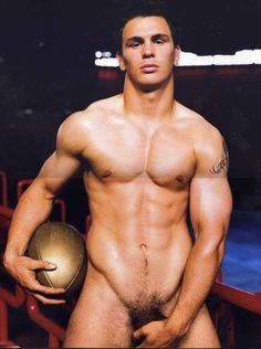 Dieux du Stade 2007 (Gods of the Stadium) Calendar French Rugby, Hot Rugby Players, Le Male, Most Beautiful Man, Gorgeous Men, Photos Du, Male Beauty, Male Body, Sexy Men