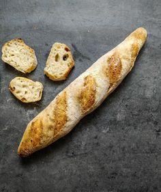 Mindenki kedvence: sajtos roló | Street Kitchen Cod Fish, Ciabatta, Bagel, Bread, Ethnic Recipes, Oktoberfest, Cod, Brot, Baking