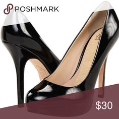 """{Joan & David} Black Platform Pump. Size 7. Joan & David🔹Platform pump🔹Patent leather🔹Heel: 4.5""""🔹Platform: 3/4""""🔹Leather insoles & outsoles🔹Purchased @ Bloomingdales🔹Excellent condition, except for wear on outsoles and nick on right stem🔹Original dust bag included🔹Too big on me🔹Modeled in """"Michael Kors blue pants"""" listing Joan & David Shoes Platforms"""