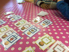 PY 1 & 2 - uke 5: Vi har koset oss med setningslek i første og andre klasse i dag!