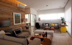 Sala de estar aconchegante com pontuação da cor amarela