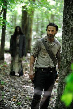 'Walking Dead' Season 4 teaser video from the set - ZOMBIES