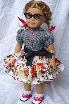 Marshmallow World skirt   Flickr - Photo Sharing! by JoniMakesStuff (Joni Lynn from Kindred Thread maybe?)