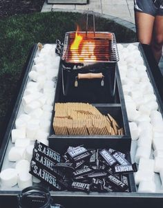 Gartenparty VSCO - tan-lines What you need to remember when you are using a landscaping software pro Summer Nights, Summer Vibes, Summer Fun, Fun Sleepover Ideas, Sleepover Party, Pyjamas Party, Café Chocolate, Summer Goals, Snacks Für Party