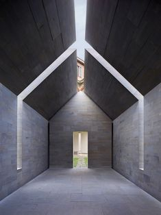 Stone House by John Pawson. Milan, Italy.  #modernarchitecture