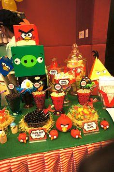 LOVE the nests under bowls Cumpleaños Angry Birds, Festa Angry Birds, Bird Birthday Parties, 2nd Birthday, Birthday Ideas, Stall Decorations, Bird Theme, Candy Party, 1st Birthdays