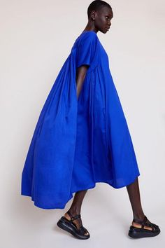 Black Crane Petal Dress in Marine 80s Fashion, Modern Fashion, Womens Fashion, Fashion Design, Fashion Tips, Fashion Trends, Queer Fashion, Fashion Videos, Fashion Lookbook