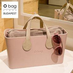 425 отметок «Нравится», 4 комментариев — O Bag Store Budapest (@obaghungary_official) в Instagram: «Nagyoncsajos! Púderes és elegáns összeállítás  #obag #bag #fashion #style #obagworld #trend…» My Bags, Purses And Bags, Leather Wallet, Leather Bag, Budapest, Beautiful Bags, Hobo Bag, Clutch Bag, Fashion Bags