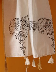 Wear this hand made designer wear and stand out from the crowd with this hand painted Kerala kasavu skirt set. Fabric Paint Shirt, Fabric Painting, Fabric Art, Saree Painting Designs, Fabric Paint Designs, Madhubani Art, Madhubani Painting, Diy Embroidered Pillow, Kerala Saree Blouse Designs
