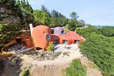 Flintstone House, 45 Berryessa Way, Hillsborough, CA 94010 - page: 1 #mansion #dreamhome #dream #luxury http://mansion-homes.com/dream/flintstone-house/