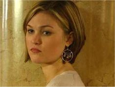 Hair Inspiration: julia stiles has a great color and cut in Bourne Supremecy