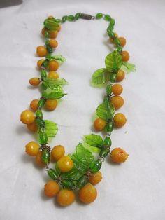 vintage c1950 glass orange and leaf necklace 18 cm or 14