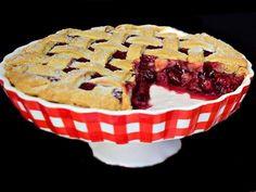 Tartă cu vișine, dulce-acrișoară. Un desert de vară simplu și ușor de preparat.