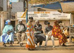 Bus stop, Dakar - Sénégal