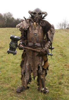 Arng'uu, Orc, lost and alone, willing to discuss a short term mutual arrangement. Fantasy Armor, Fantasy Weapons, Medieval Fantasy, Dark Fantasy, Undead Knight, Demon Costume, Orc Warrior, Fantasy Costumes, Larp Costumes