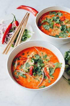 Warm up with this 15 Minute Coconut Curry Noodle Soup. Curry Noodle Soup Recipe, Curry Noodles, Curry Ramen, Asian Recipes, Healthy Recipes, Ethnic Recipes, Asian Desserts, Healthy Food, Turkish Recipes