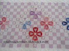 another chicken scratch for rv tablecloth Needlepoint Patterns, Hand Embroidery Patterns, Cross Stitch Embroidery, Chicken Scratch Patterns, Chicken Scratch Embroidery, Bordado Tipo Chicken Scratch, Mini Album Tutorial, Girl Scout Crafts, Gingham Fabric