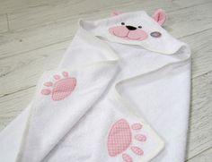 Kit Bebe, Hooded Bath Towels, Towel Wrap, Crochet Amigurumi, Baby Towel, Baby Images, 60th Birthday Party, Baby Needs, Baby Sewing