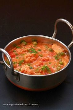 Veg makhanwala or veg makhani is a very tasty North Indian style gravy made with mixture of vegetables cooked in a creamy sauce made with onion, tomato, cashew, cream and milk.