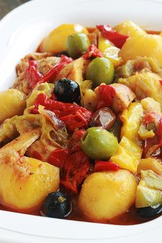 Sauce Tomate, Fruit Salad, Food And Drink, Pork, Cooking, Ethnic Recipes, Sweet, Diners, Olives