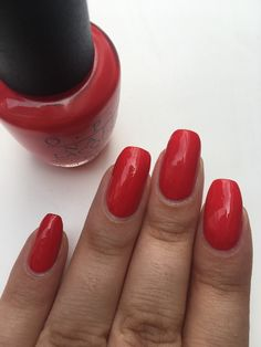 Petit pose pour cette semaine du vernis OPI, Coca-Cola Red 🥤de la collection OPI Icons Of Style 💅🏽 #lauriane #lauriane_nails #coca #cocacola #opi #ongles #onglescourts #polish #vernis #nail #nails #nailpolish #natural #naturel #naturels #opicollections #opiiconsofstyle