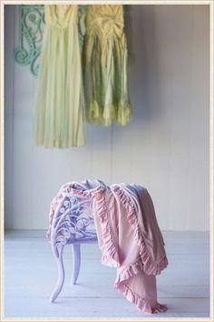 Bella Notte Crushed Velvet Bedding from @LaylaGrayce #laylagrayce #blog #bellanotte
