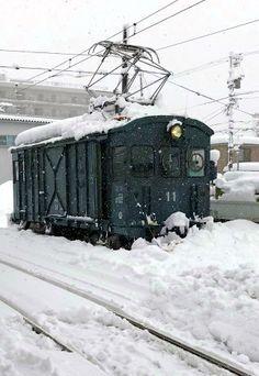 除雪車:大正生まれのデキ11話題に 福井豪雪で活躍 - 毎日新聞