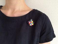 再販*受注製作 刺繍ブローチ 【モザイクタイル】