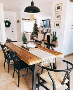 32 Lovely Family Dining Room Design And Decor Ideas Farmhouse Dining Room decor design Dining Family Ideas Lovely Room Boho Living Room, Home Living, Living Room Interior, Living Room Decor, Living Spaces, Modern Living, Home Modern, Decor Room, Bedroom Decor