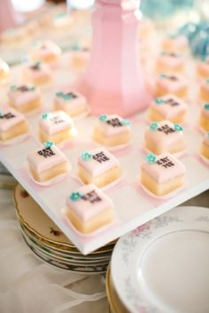 alice in wonderland petite fours... Totally need these for a tea party