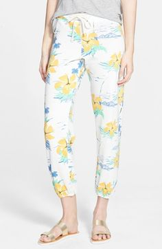 Free shipping and returns on Sundry Classic Drawstring Sweatpants at Nordstrom.com. A splashy tropical print enhances the beach-to-backyard style of cropped drawstring pants knit from a fleecy triblend.