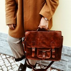 Our Harvard Yale is a classic staple for work or school in our flagship Vintage Brown Leather. Harvard Yale, Going Back To School, Leather Design, Leather Satchel, Brown Leather, Classic, Bags, Shopping, Laptop