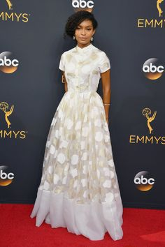 Emmy Awards 2016: Celebrity Fashion—Live from The Red Carpet - Vogue
