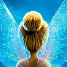 Disney - Peter Pan and Tink and fairy friends / Tinkerbell Tinkerbell And Friends, Tinkerbell Fairies, Mickey Mouse And Friends, Peter Pan Images, Peter Pan Disney, Disney Wallpaper, Iphone Wallpaper, Disney Drawings, Princesas Disney