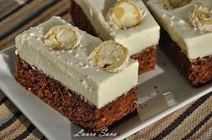 Chocolate cake with coconut cream Recipes with Laura Sava Source by Sweets Recipes, Easy Desserts, Cookie Recipes, Recipes With Coconut Cream, Cream Recipes, Peach Yogurt Cake, Romanian Desserts, Romanian Food, Mini Cakes