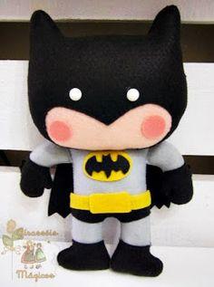 - Batman Clothing - Ideas of Batman Clothing - Batman em feltro! Felt Diy, Felt Crafts, Kids Crafts, Arts And Crafts, Sewing Crafts, Sewing Projects, Craft Projects, Felt Patterns, Stuffed Toys Patterns