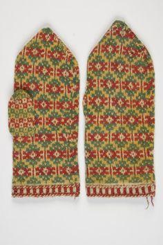 Estonia National Museum treasure - traditional knit from Muhu Island, Estonia Fair Isle Knitting, Lace Knitting, Knitting Patterns, Knit Crochet, Knit Mittens, Knitted Gloves, Knitting Accessories, Hand Warmers, Blackwork
