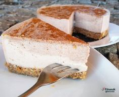 Banánový cheesecake Sweet Recipes, Healthy Recipes, Healthy Food, Healthy Style, Cheesecakes, Tiramisu, French Toast, Food And Drink, Fitness