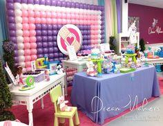 Doctora juguetes se ha convertido sin duda en uno de los personajes favoritos de muchas niñas y en la actualidad es una de las temáticas numero 1 que se utiliza para decorar fiestas infantiles para niñas.