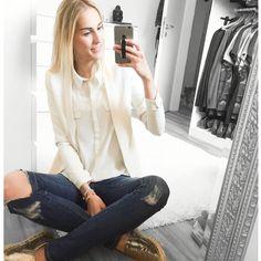 White Blazer = spring time   #stylediary#styleblog#bloggerstyle#blogger_de#modeblogger#metallicshoes#modeblog#outfitinspo#outfitideas#outfitinspiration#styleblog#styling#fashionaddict#lookbook#dailydose#dailyoutfit#fashionblogger_de#fashionaddict#fashionshoot#fashionista#fblogger#instadaily#instablogger