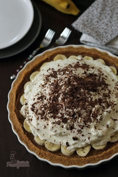 Banoffee Pie (Torta de Banana com Doce de Leite) – Receitas da Formiguinha Banoffee Pie, Sweets Recipes, Just Desserts, Banana Pie, Sweet Cakes, Food Porn, Food And Drink, Baking, Oreo